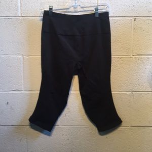 lululemon athletica Pants - Lululemon black cropped leggings size 12 61243